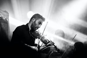 Pop songs on the violin